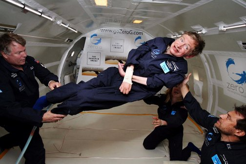 Stephen Hawking experimentando a gravidade zero