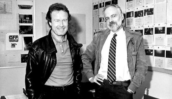 PKD fazendo pose ao lado de Ridley Scott